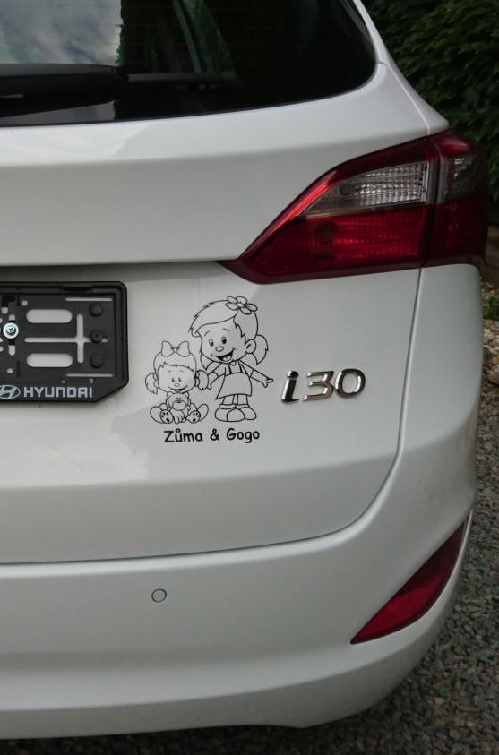Samolepka na auto- děti v autě